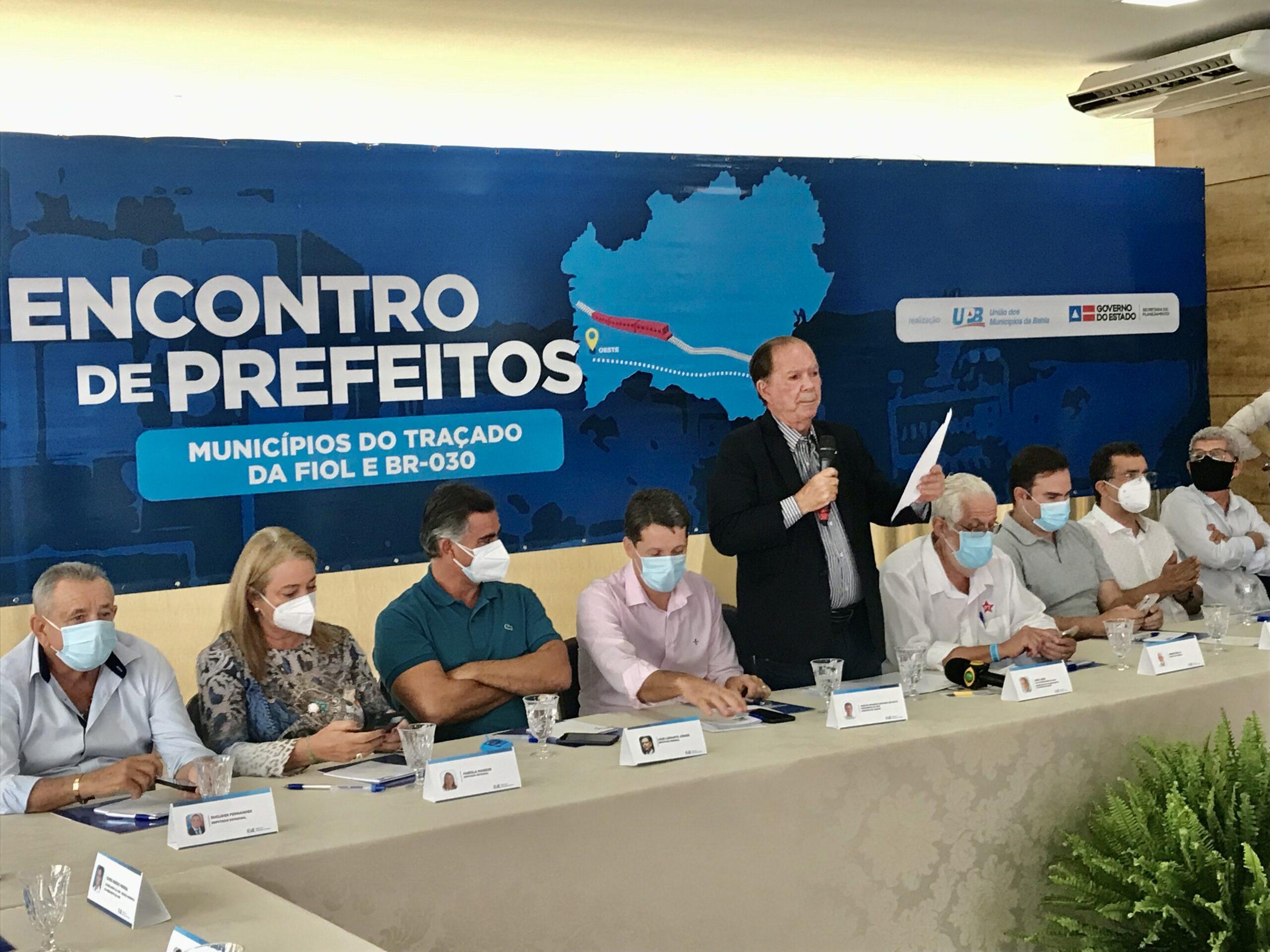 João Leão planeja com prefeitos ações sobre traçado da Fiol e BR-030